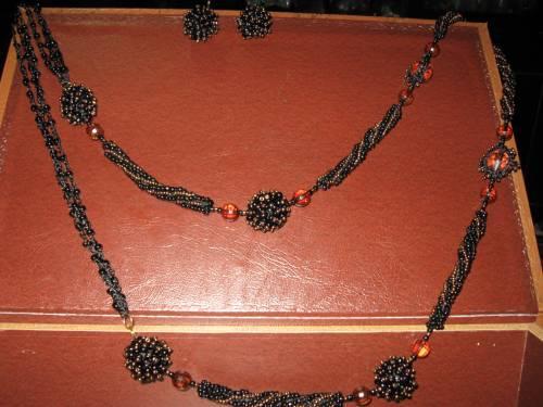 """Ожерелье и серьги  """"Черный ферзь """" ."""